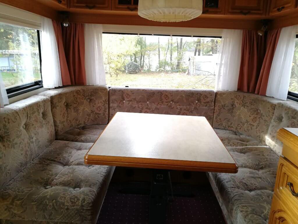 Sitzecke Wohnwagen
