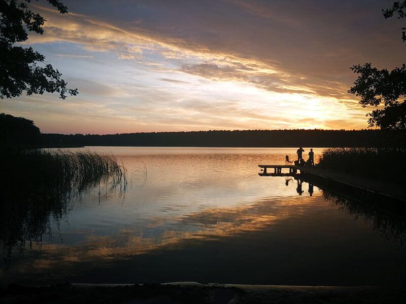 Sonnenuntergang am Badesteg